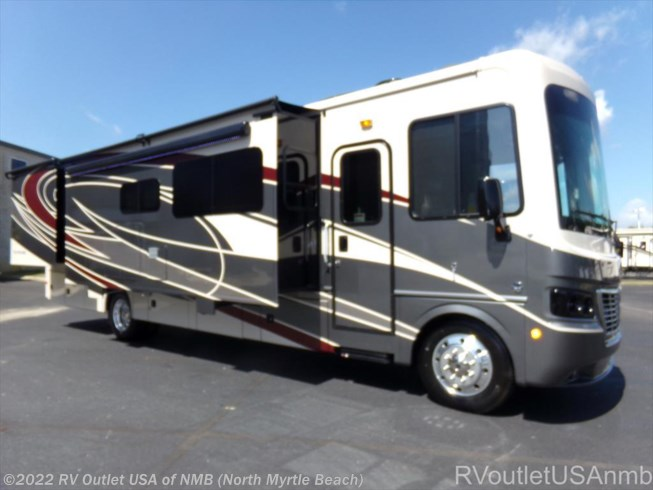 2018 Holiday Rambler Vacationer 35P  Fleetwood Bounder