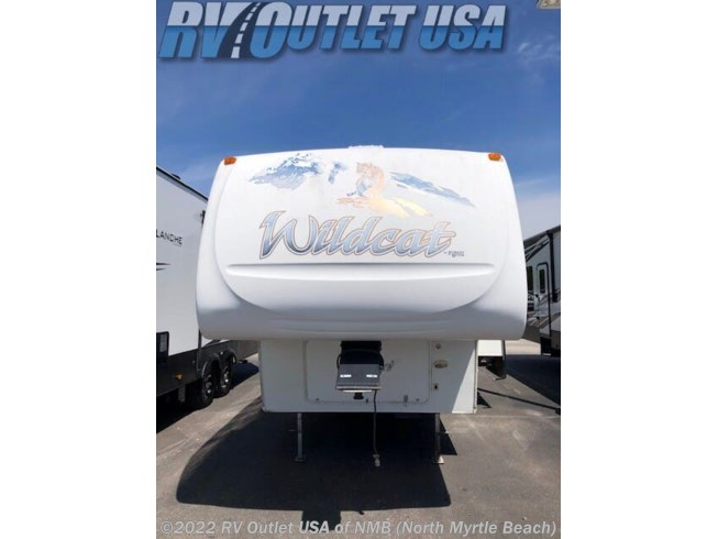 2006 Forest River Wildcat 29BHBP - Used Fifth Wheel For Sale by RV Outlet USA of NMB in Longs, South Carolina features Refrigerator, Overhead Cabinetry, Dinette, Bunk Beds, Queen Bed