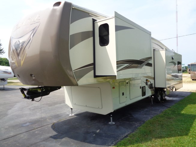 2016 Forest River Cedar Creek Hathaway Edition 36CKTS - Used Fifth Wheel For Sale by Winnebago Motor Homes in Rockford, Illinois