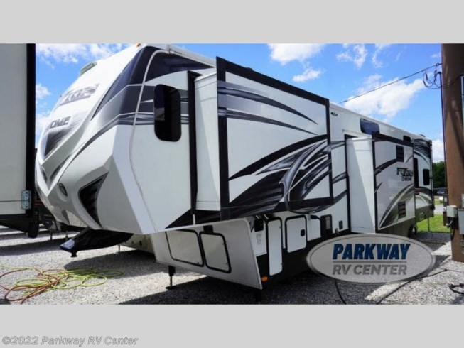 2014 Fuzion 401 by Keystone from Parkway RV Center in Ringgold, Georgia