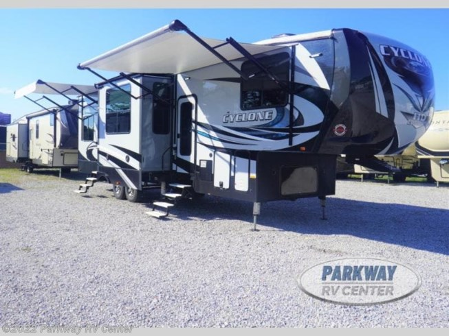 Used 2018 Heartland Cyclone 3513JM available in Ringgold, Georgia