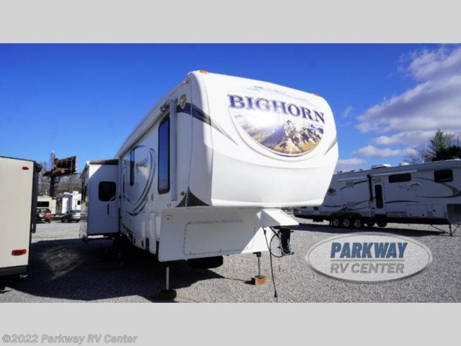 Used 2013 Heartland Silverado 33RK available in Ringgold, Georgia