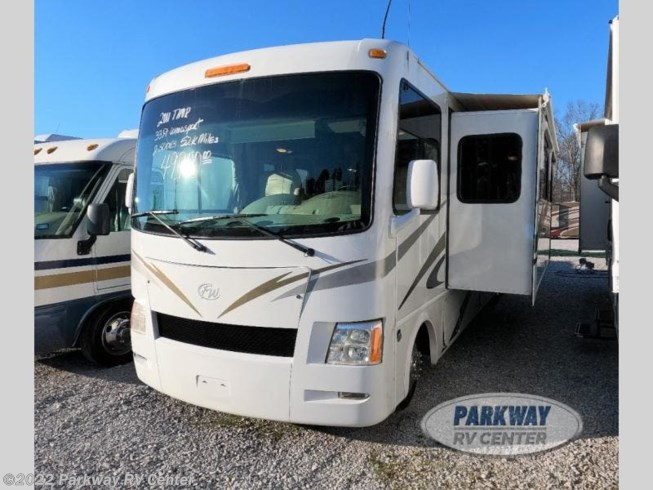 2011 Thor Motor Coach Windsport 32A - Used Class A For Sale by Parkway RV Center in Ringgold, Georgia features Slideout