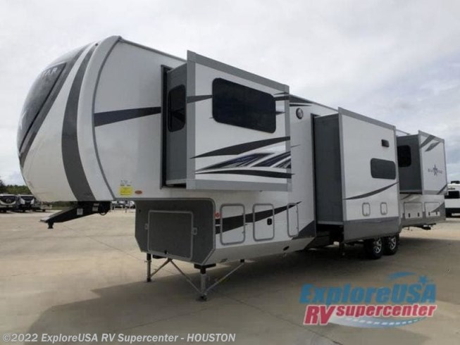 2020 Silverstar SF373RBS by Highland Ridge from ExploreUSA RV Supercenter - ALVIN, TX in Houston, Texas