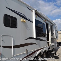 Used 2011 Keystone Montana Mountaineer 295RKD For Sale by Delmarva RV Center in Smyrna available in Smyrna, Delaware