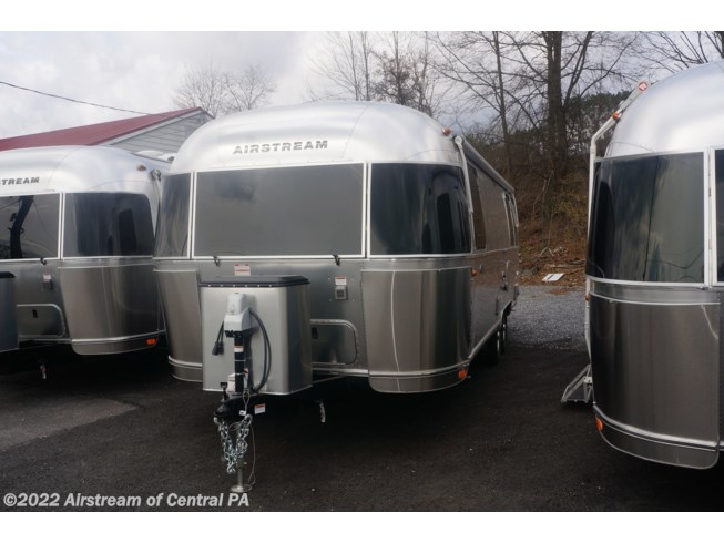 2019 Airstream Flying Cloud 27FB - New Travel Trailer For Sale by Airstream of Central PA in Duncansville, Pennsylvania features Air Conditioning, Auxiliary Battery, Awning, Booth Dinette, CD Player, CO Detector, DVD Player, External Shower, Leveling Jacks, LP Detector, Medicine Cabinet, Microwave, Oven, Power Roof Vent, Queen Bed, Refrigerator, Roof Vents, Shower, Smoke Detector, Spare Tire Kit, Stove Top Burner, Surround Sound System, Toilet, TV, Water Heater