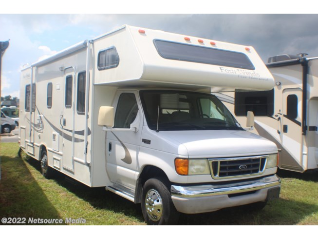 2004 Thor Motor Coach Four Winds 26Q