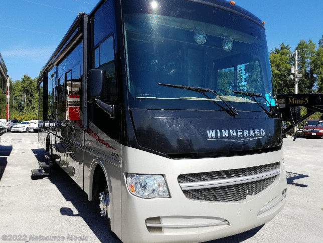 2014 Winnebago Sightseer 33C