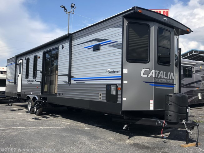 2019 Coachmen Catalina 39FKTS