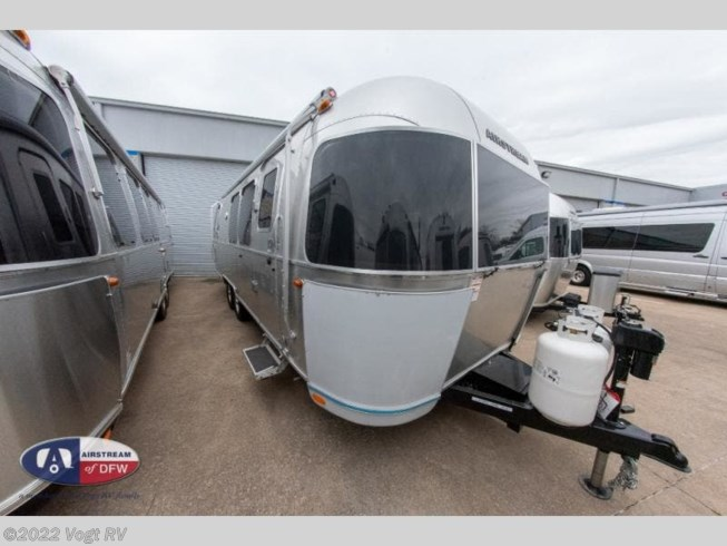 New 2020 Airstream Flying Cloud 28RB available in Fort Worth, Texas