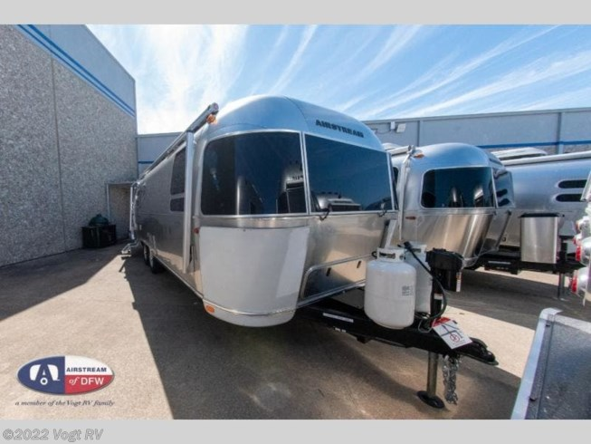 New 2020 Airstream Globetrotter 27FB available in Fort Worth, Texas
