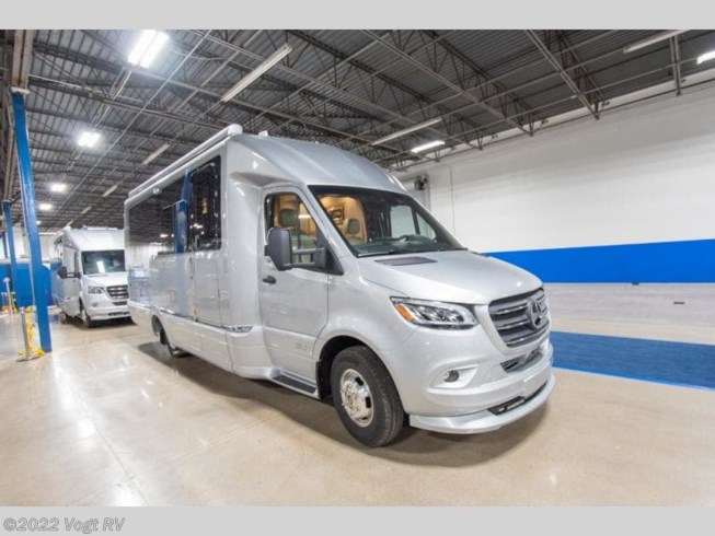 New 2021 Airstream Atlas Murphy Suite available in Fort Worth, Texas