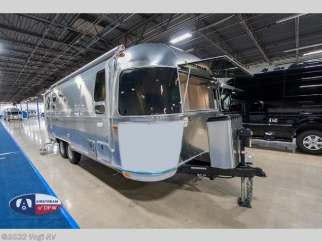 New 2021 Airstream Flying Cloud 25FB available in Fort Worth, Texas