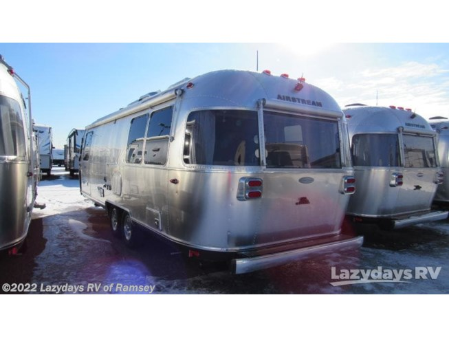 2019 Flying Cloud 27FB Twin by Airstream from Lazydays RV of Minneapolis in Anoka, Minnesota