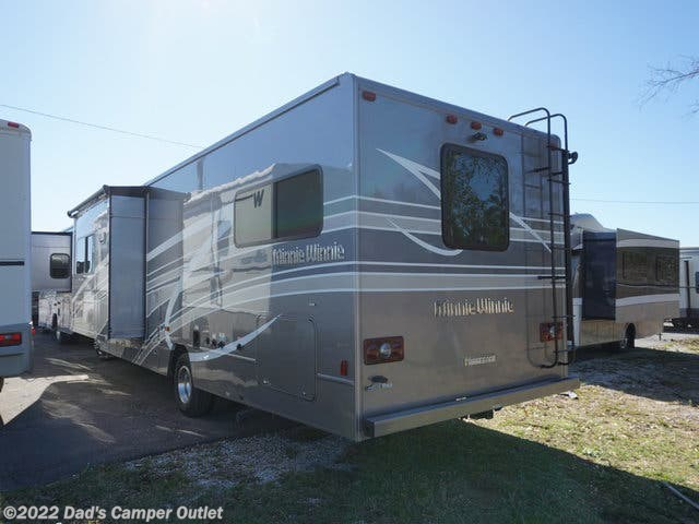 2020 Winnebago Minnie Winnie 31H - New Class C For Sale by Dad's Camper Outlet in Gulfport, Mississippi