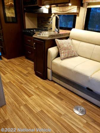 2017 Thor Motor Coach Rv Outlaw 29h For Sale In Daytona