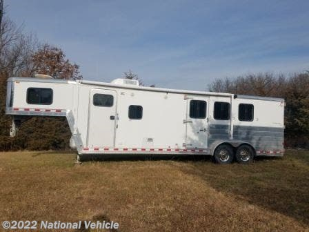 Used 2006 Kiefer Built Genesis 380 25' 3 Horse Trailer with Living Quarters available in Omaha, Nebraska