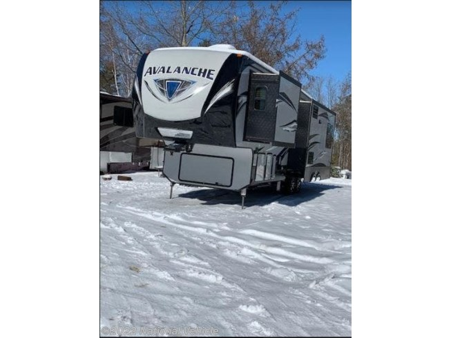 2018 Keystone Avalanche 300RE - Used Fifth Wheel For Sale by National Vehicle in Chichester, New Hampshire