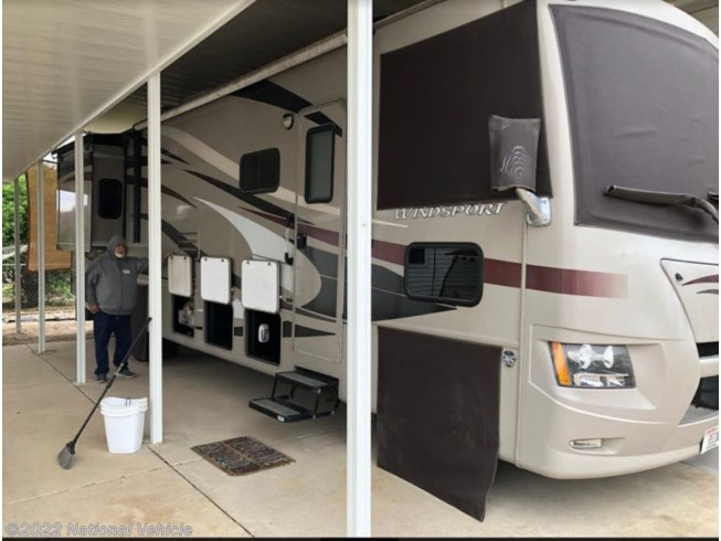 Used 2013 Thor Motor Coach Windsport 34E available in Palmview, Texas