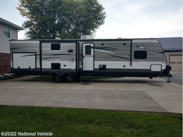 Used 2017 Jayco Jay Flight 33RBTS available in Dundee, Ohio