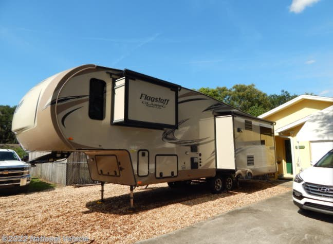 Used 2018 Forest River Flagstaff 8529RLWS available in Plant City, Florida