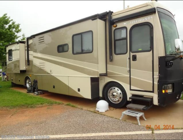 Used 2006 Fleetwood Discovery 39L available in Fargo, North Dakota