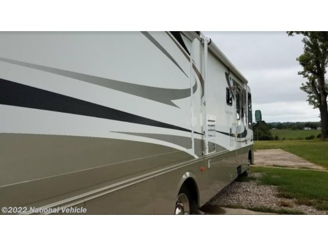 2004 Vacationer 34PBD by Holiday Rambler from National Vehicle in Fort Scott, Kansas