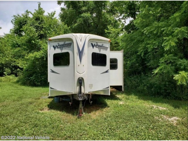 2012 Forest River V-Cross 32VFKS - Used Travel Trailer For Sale by National Vehicle in De Soto, Missouri