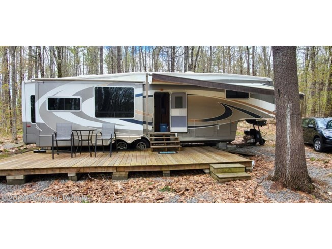 Used 2006 Forest River Cedar Creek 37RLTSD available in Weathersfield, Vermont