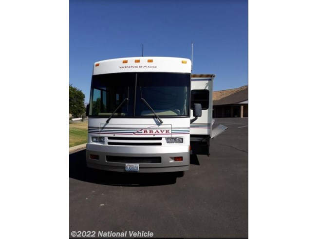 Used 2000 Winnebago Brave 33B available in East Wenatchee, Washington