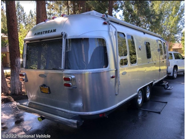 Used 2016 Airstream Flying Cloud 26U available in Bend, Oregon