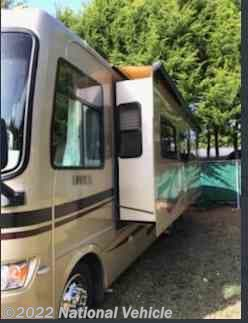 Used 2008 Holiday Rambler Admiral 30SFS available in Lincoln City, Oregon