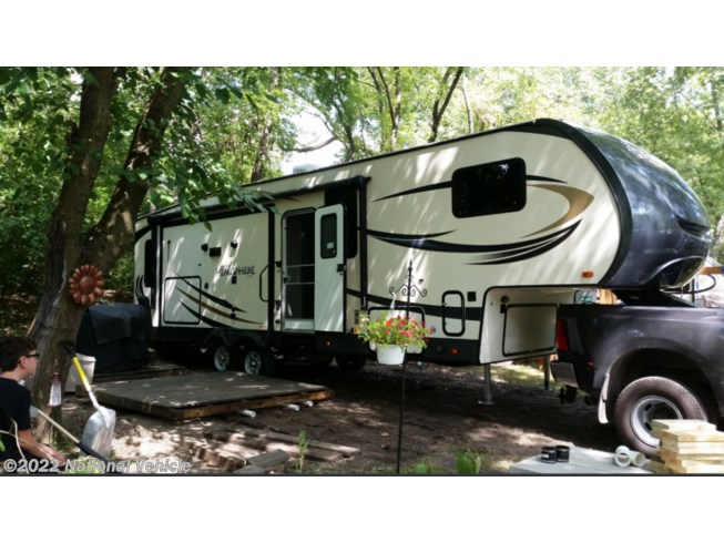 Used 2017 Forest River Salem Hemisphere Lite 29RLSHL available in Morris, Illinois