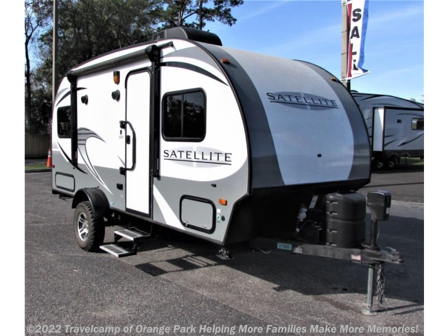 Used 2017 Starcraft Satellite available in Jacksonville, Florida