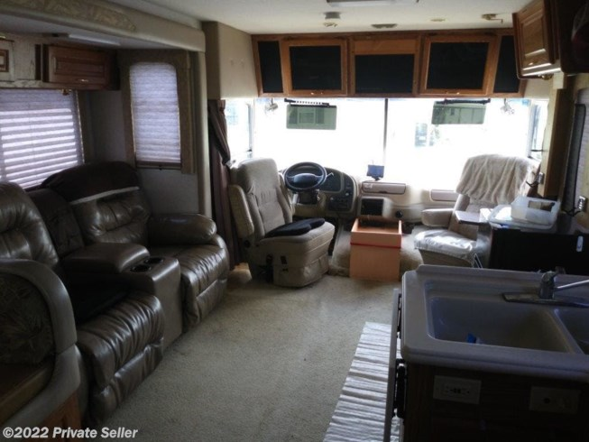 Used 2001 National RV Dolphin available in Osteen, Florida