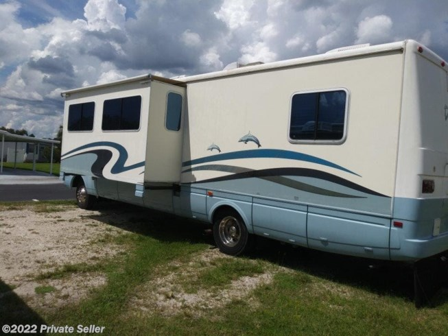 2001 Dolphin by National RV from Private Seller in Osteen, Florida
