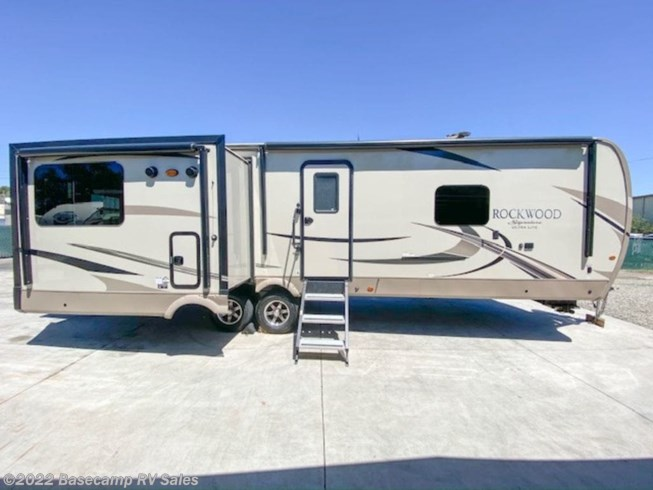 2018 Forest River Rockwood Signature Ultra Lite 8329SS - Used Travel Trailer For Sale by Basecamp RV Sales in Rocklin, California