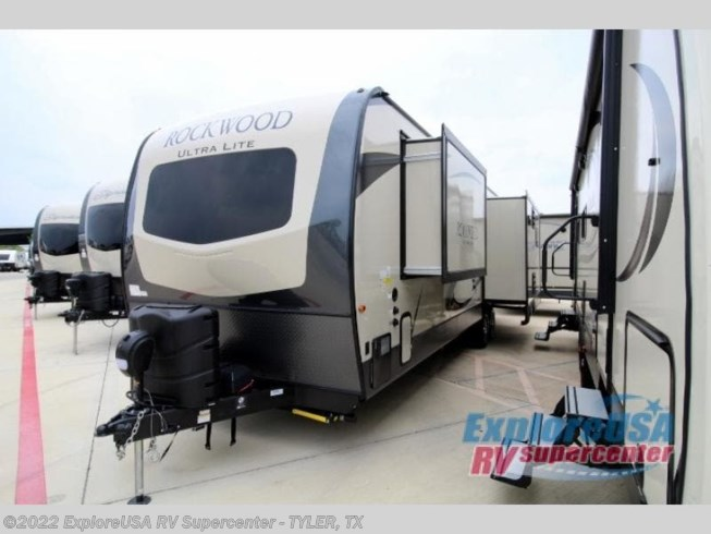 2020 Forest River Rockwood Ultra Lite 2906RS - New Travel Trailer For Sale by ExploreUSA RV Supercenter - TYLER, TX in Tyler, Texas features Slideout