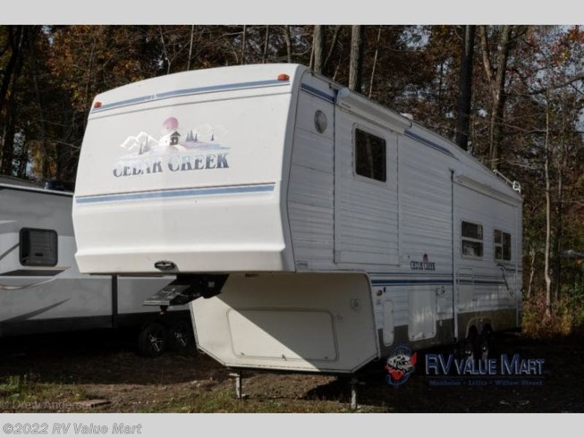 2002 Forest River Cedar Creek 29RKBS - Used Fifth Wheel For Sale by RV Value Mart in Bath, Pennsylvania