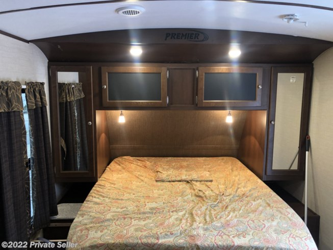 2015 Keystone Bullet Premier - Used Travel Trailer For Sale by Private Seller in tolland, Connecticut features Air Conditioning, Awning, LP Detector, Microwave, Refrigerator, Slideout, Smoke Detector, Water Heater
