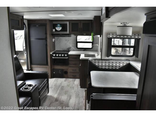 2020 Tracer 24RKS by Prime Time from Great Escapes RV Center in Eureka, Missouri