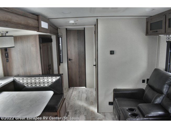 2020 Prime Time Tracer 24RKS - New Travel Trailer For Sale by Great Escapes RV Center in Eureka, Missouri