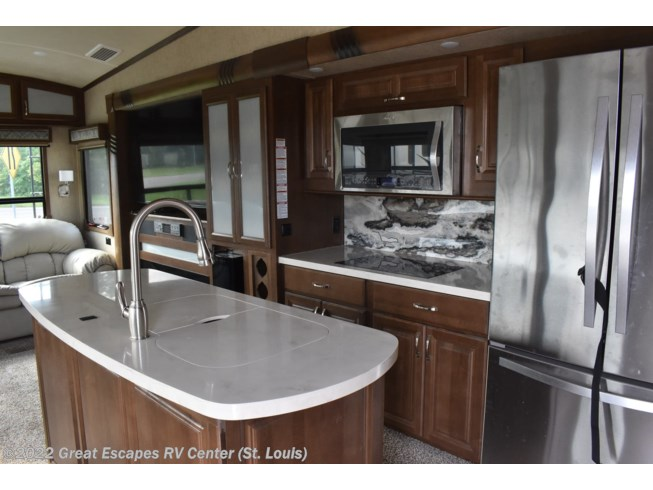 2017 Forest River Cedar Creek Champagne Edition 38EL - Used Fifth Wheel For Sale by Great Escapes RV Center in Eureka, Missouri