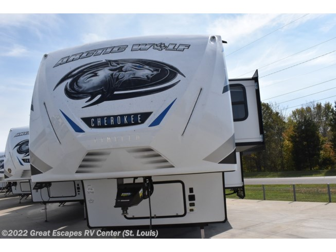 New 2021 Forest River Cherokee Arctic Wolf 3770SUITE available in Eureka, Missouri