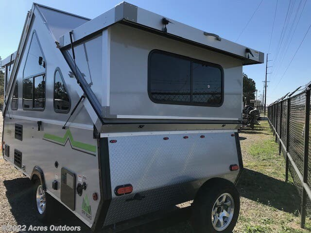 2021 Aliner Expedition Twin or King Bed - New Popup For Sale by Acres Outdoors in Livingston, Texas features Fantastic Fan, Skylight, Stove Top Burner, Spare Tire Kit, Air Conditioning