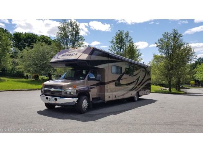 2008 Jayco Seneca 36 MS - Used Class C For Sale by Private Seller in Blauvelt, New York features 6-Way Power Driver's Seat, Air Conditioning, Awning, Bath & 1/2, LP Detector, Medicine Cabinet, Microwave, Mini Blinds, Non-Smoking Unit, Queen Bed, Refrigerator, Roof Vents, Shower, Slideout, Smoke Detector, Sofa Bed, Solid Surface Countertops, Toilet, Water Heater