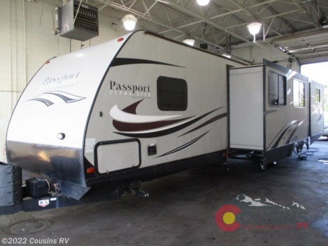 2016 Keystone Passport 3350BH Grand Touring - Used Travel Trailer For Sale by Cousins RV in Colorado Springs, Colorado features Slideout