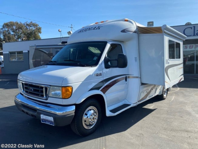 2006 Miscellaneous Van Guard Kodiak - Used Class B For Sale by Classic Vans in Hayward, California