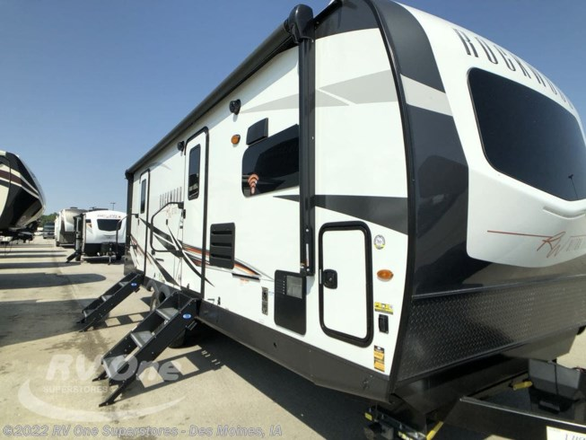 New 2021 Forest River Rockwood Ultra Lite Travel Trailer 2608BS available in Altoona, Iowa