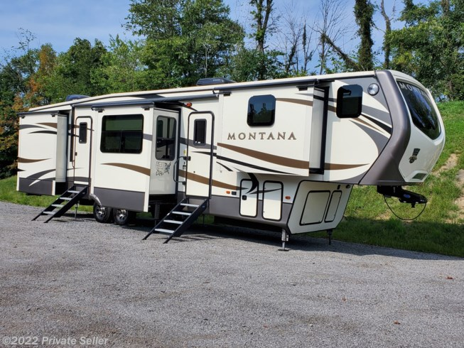Used 2017 Keystone Montana 3820FK available in GRAFTON, West Virginia